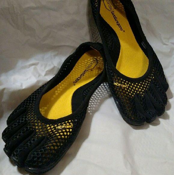 Vibram Fivefingers Barefoot Five Finger Dance Yoga Like New!! Vibram Shoes Athletic Shoes