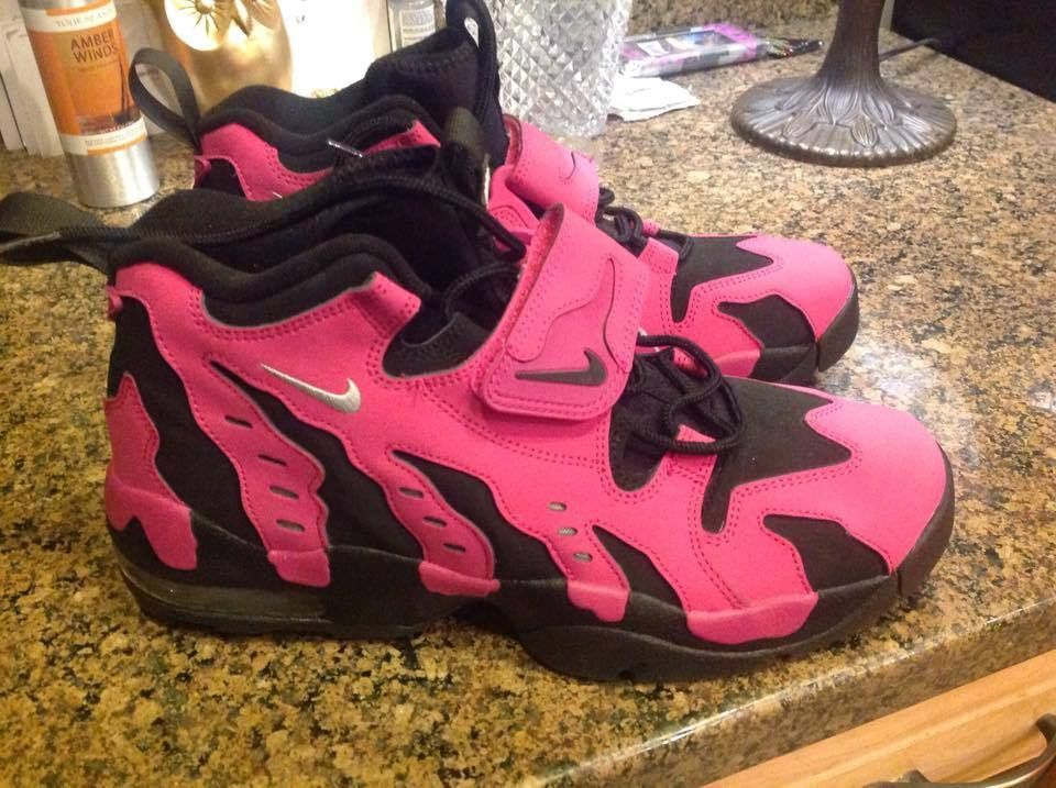 b3e74d53a5478 NIKE SIZE 11 AIR DT MAX96 DIAMOND TURF VIVID PINK BLACK DEION SANDERS  SNEAKERS  Nike  BasketballShoes