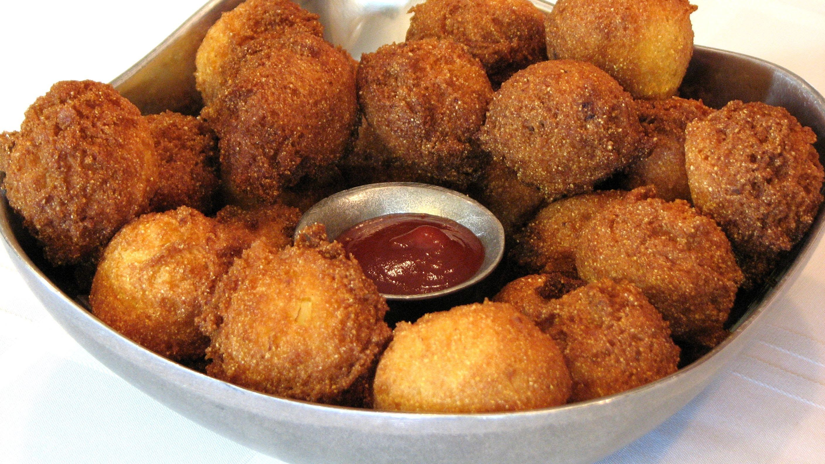 Hush Puppies Lynn S Recipes 1 Cup Corn Meal 1 Cup Flour 4 Teaspoons Baking Powder Small Onion Finely Minced Te With Images Recipes Hush Puppies Recipe Food Videos
