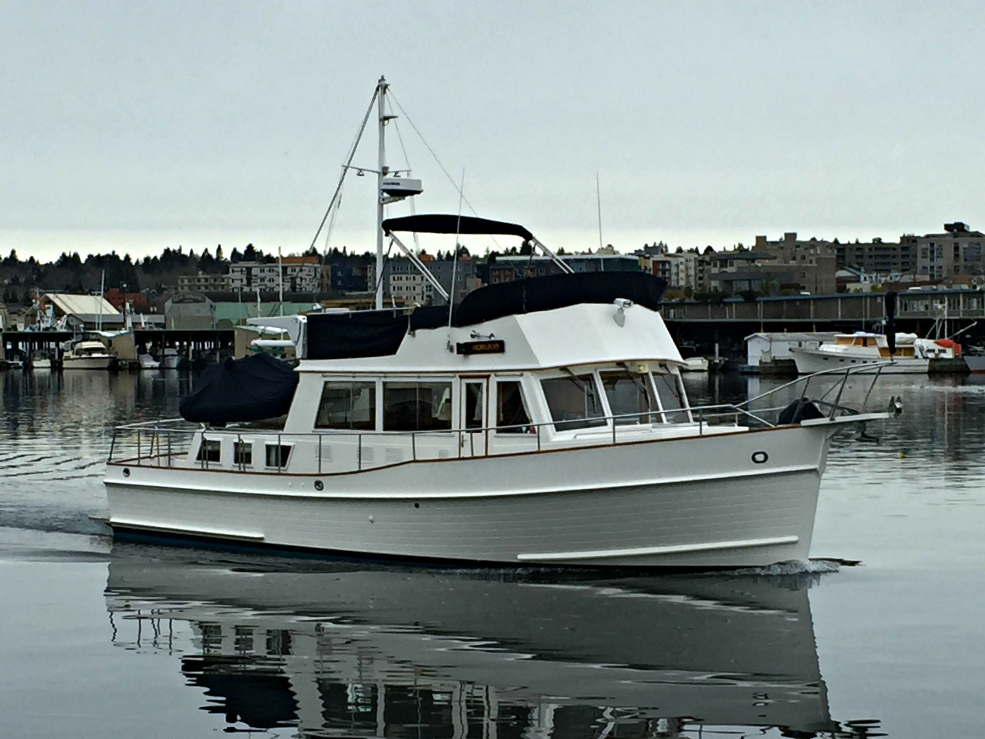1998 Grand Banks 42 Classic In Seattle Wa Soldboats Grandbanks Trawlers Grand Banks Yachts Boat Classic Boats