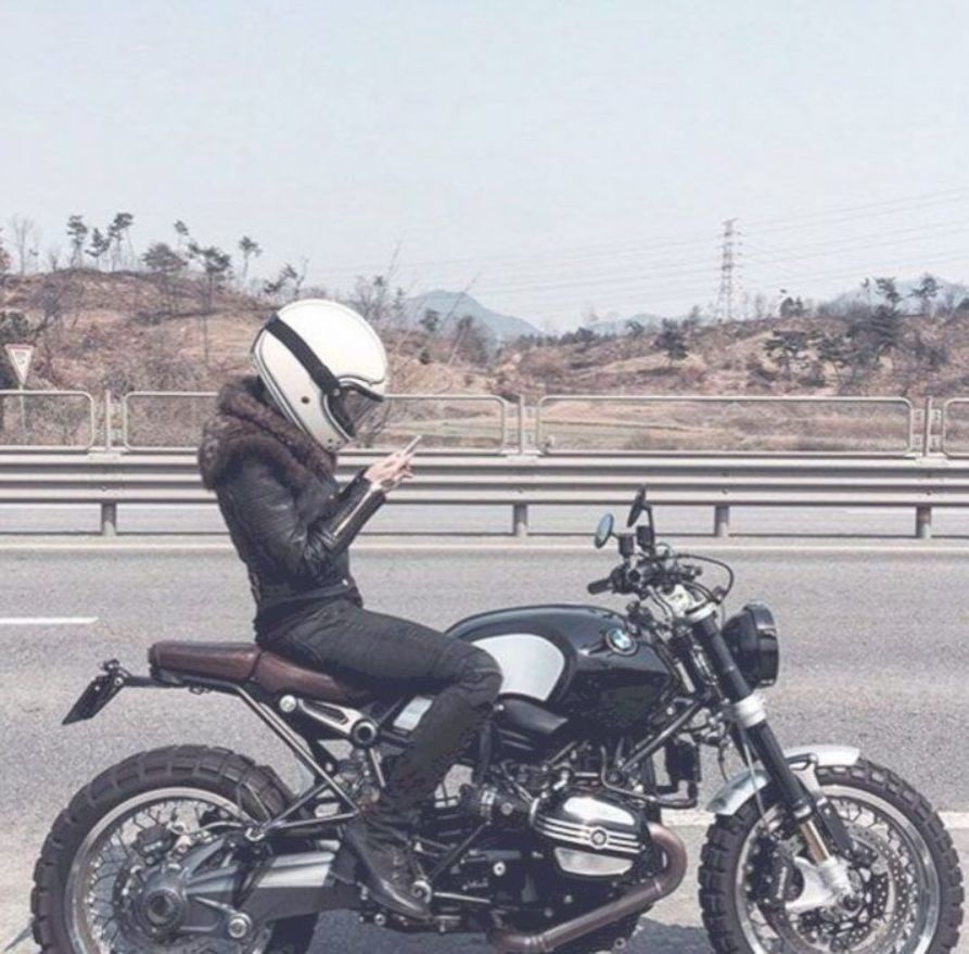 40 Best Bmw Vintage Touring And Adventure Motorcycle Awesome Indoor Outdoor Bmw Vintage Adventure Motorcycling Adventure Motorcycle Gear
