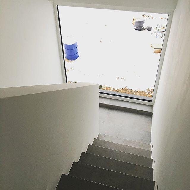 eine der besten entscheidungen war das gro e fenster festelement im treppenaufgang wir. Black Bedroom Furniture Sets. Home Design Ideas