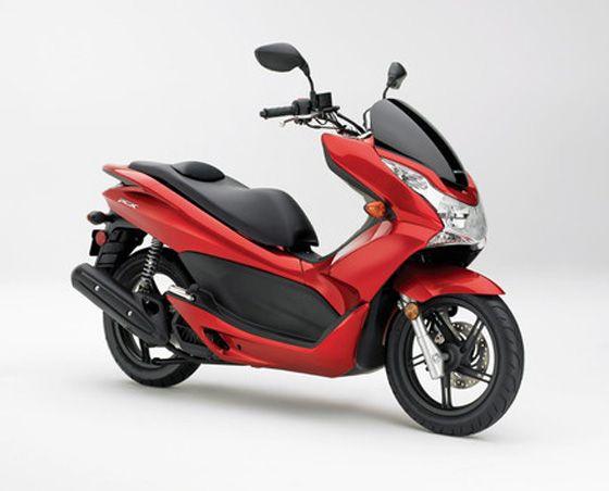 Honda Grows The Pcx To 150cc For 2013 Scooterfile Honda 2013 Honda 150cc