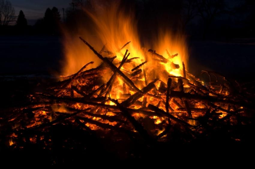Ideas for a Bonfire Night Party [Slideshow]