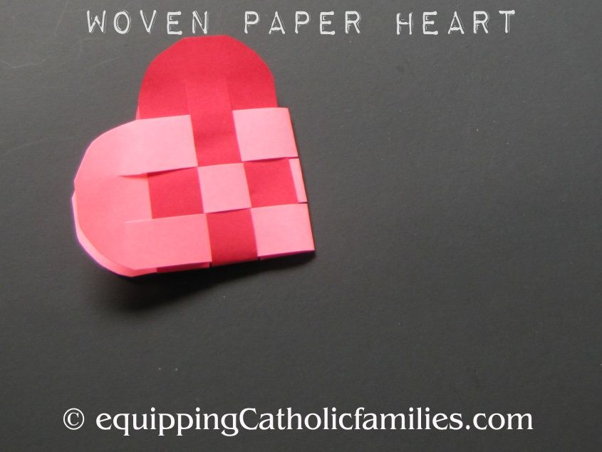 Woven paper heart craft for sacred and immaculate heart feast days. Kids Meal Plan, Religious Education, Heart Crafts, Diy Tv, Little Flowers, Happy Summer, Sacred Heart, Kindergarten Math, Crafts For Kids