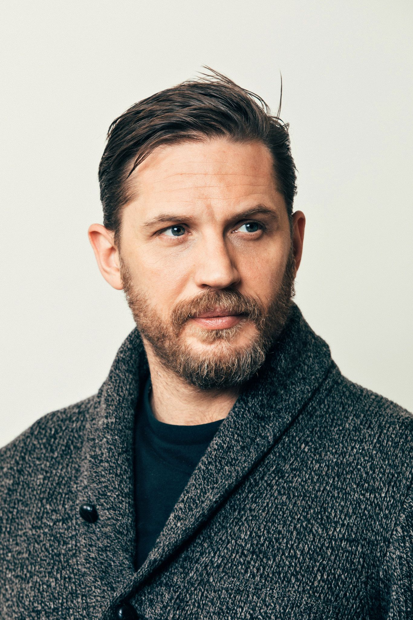 Tom Hardy Is At Home As Hero And Villain In Taboo Tom Hardy Haircut Tom Hardy Hardy