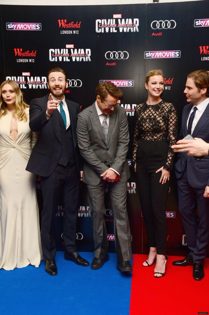 Rdj And Chris Evans Chris Evans Robert Downey Jr Elizabeth Olsen