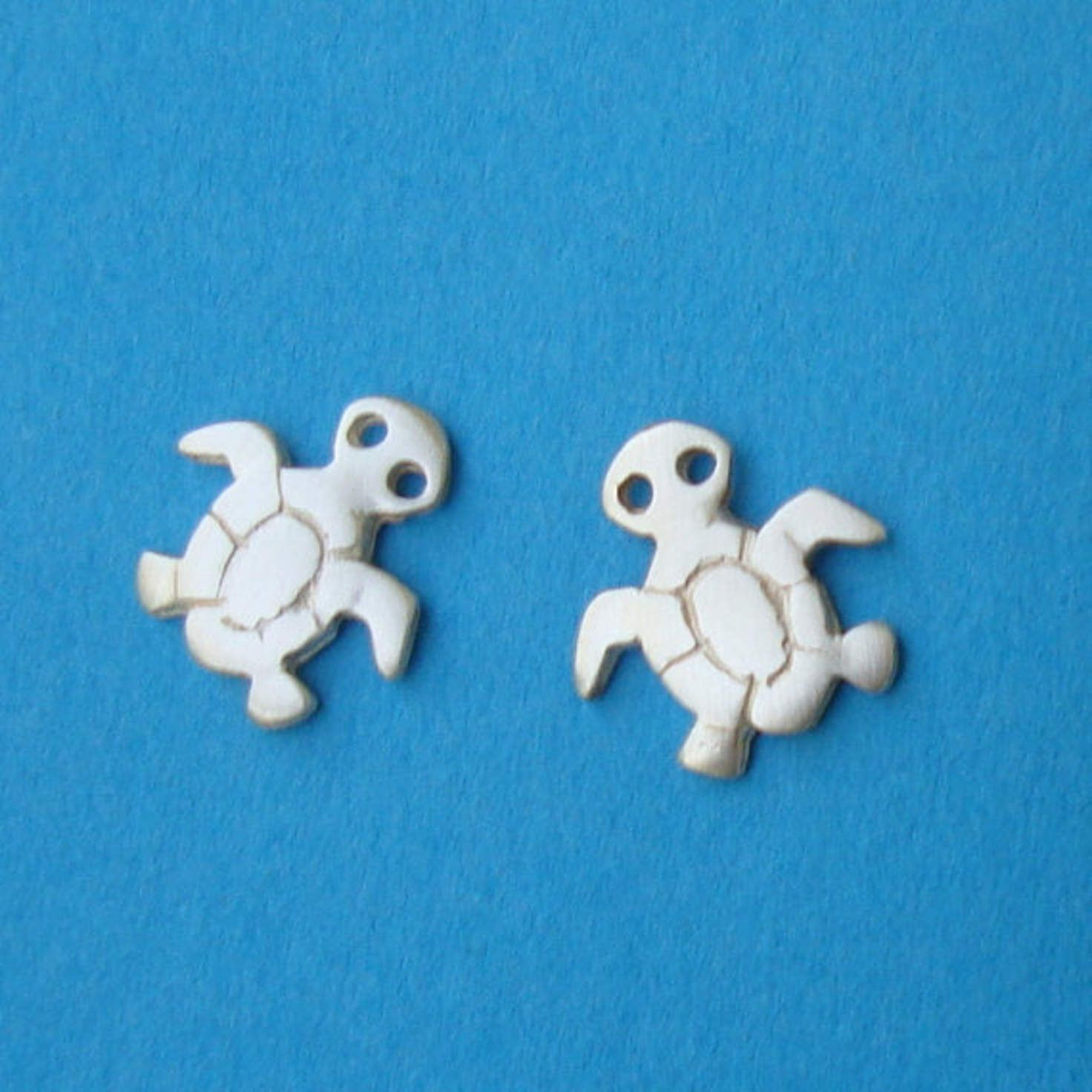 stud turtle earrings gems sea