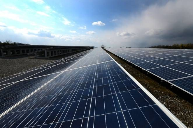 New Aluminum Battery With Urea Electrolyte Could Be A Low Cost Renewable Energy Storage Solution Advantages Of Solar Energy Solar Panels Best Solar Panels