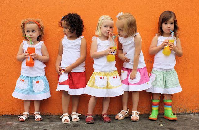 Cada menina tem uma saia para ir ao mercado, uma saia mercado com um bolso para frutas (e um estoque de doces). É a saia perfeita para sair e compartilhar refrigerantes com os amigos. Seja qual for o seu sabor, temos a cor. Tutorial.