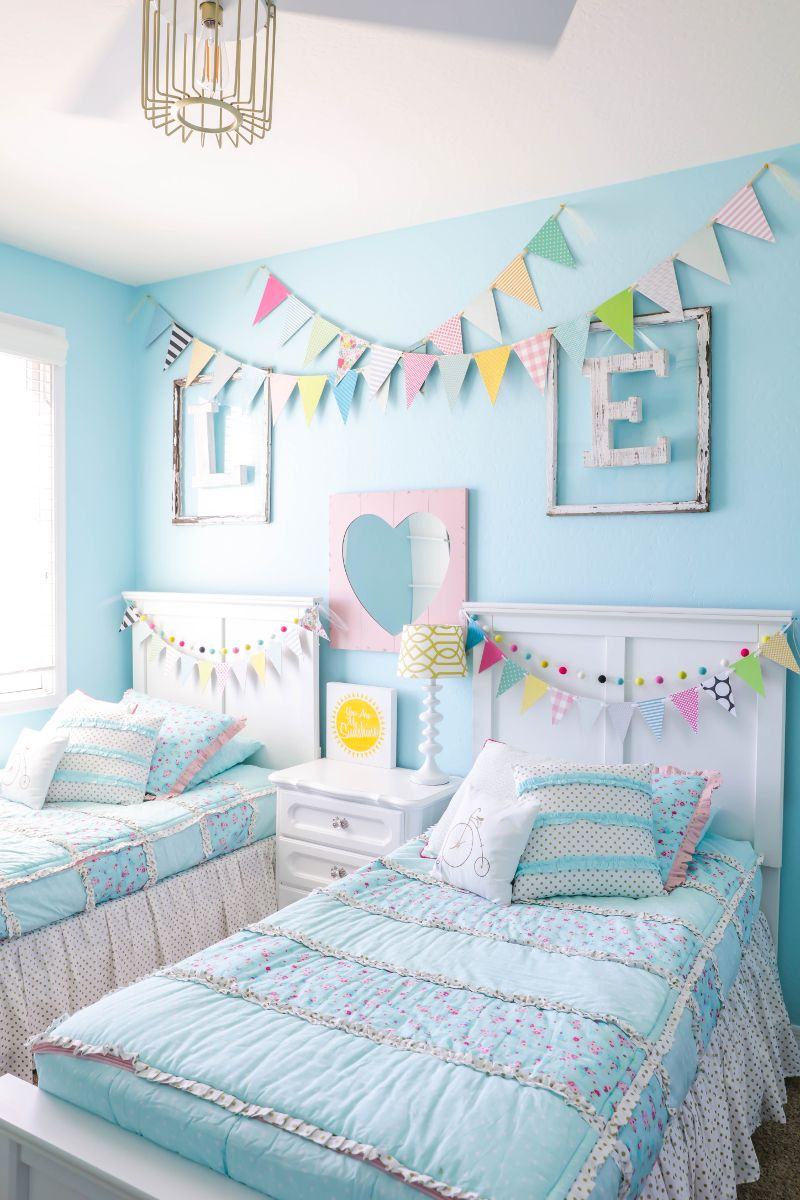 Decorating Ideas For Kids Rooms Girls Room Makeover Let S Diy It All With Kritsyn Merkley Shared Girls Bedroom Shared Girls Room Girls Bedroom Makeover