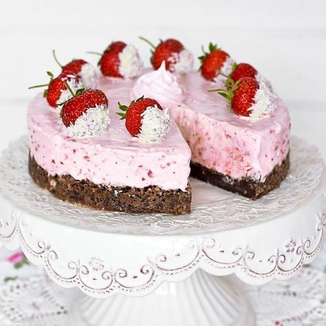 Ljuvlig jordgubbscheesecake och kladdkaka i ett.
