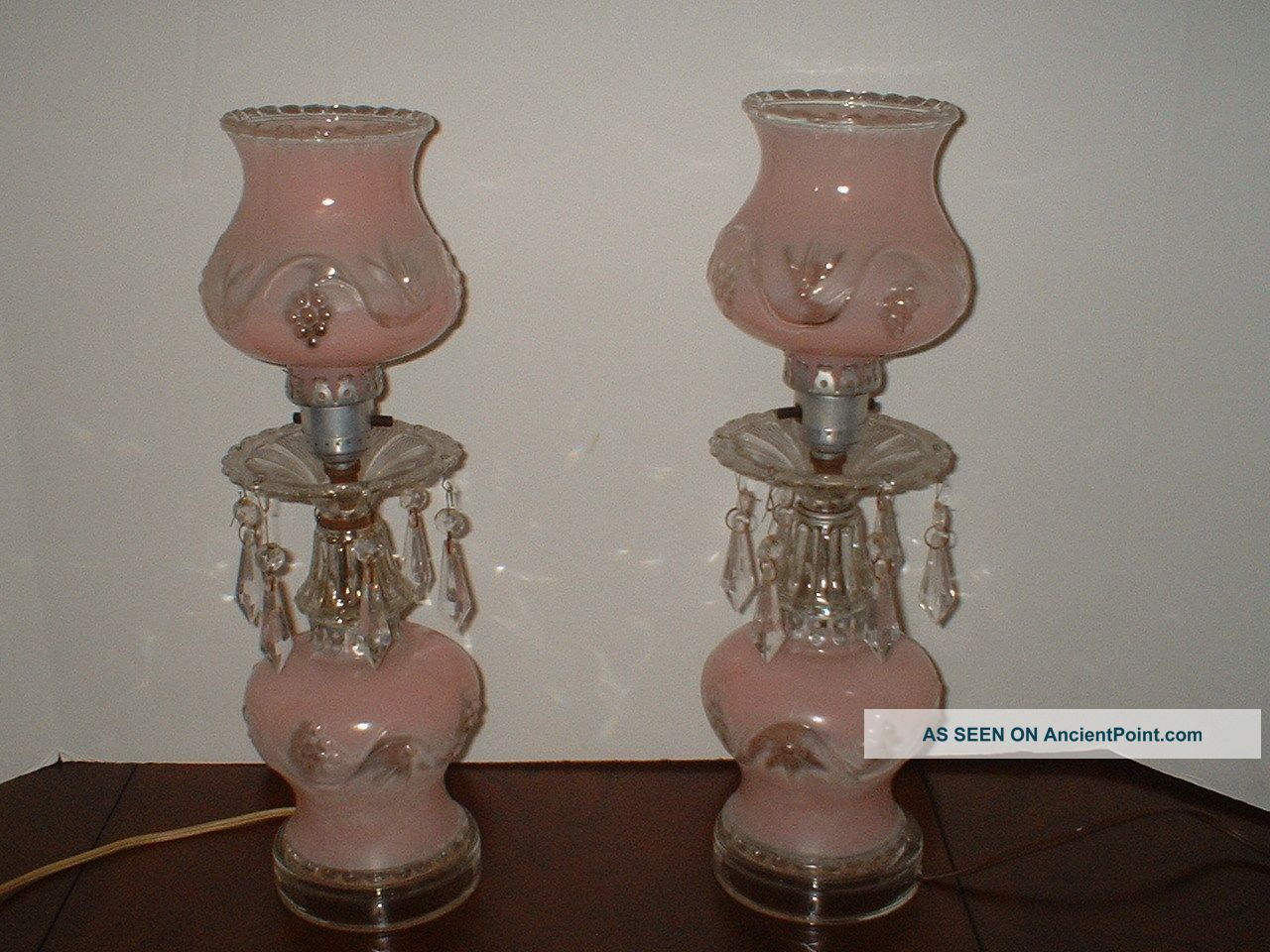 Vintage 1940 S Hurricane Style Pink Glass Boudoir Table Lamps Pr Vgc Art Lamp Pink Lamp Lamp