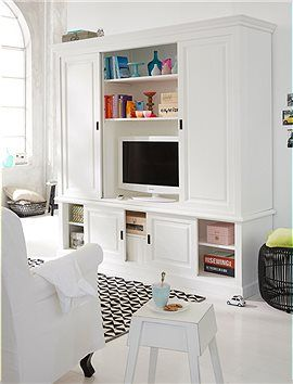 tv schrank verstaut den fernseher optimal und bietet jede menge stauraum f r b cher dvds und. Black Bedroom Furniture Sets. Home Design Ideas