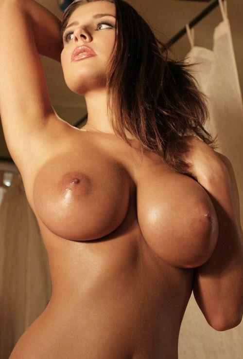 leaonard nude Erica