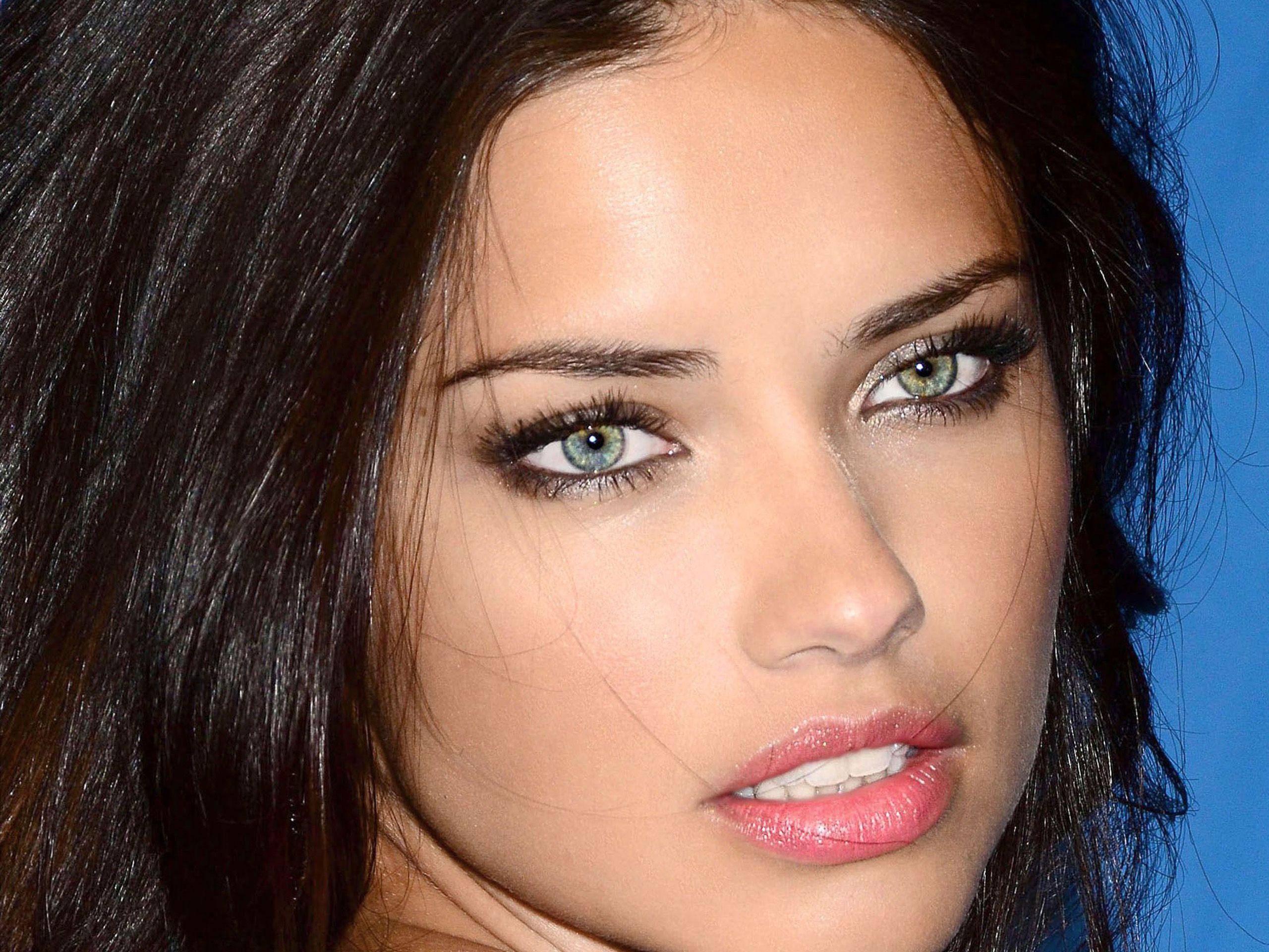 Актрисы с красивыми губами фото