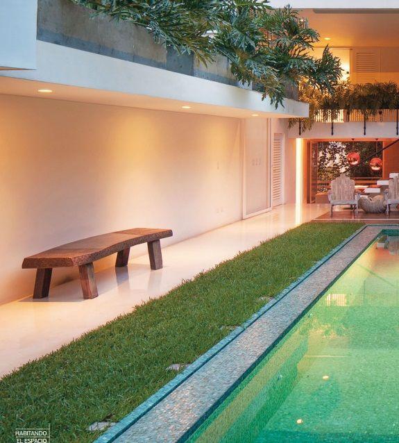 Habitando el espacio. Diseñada por el arquitecto Fernando Borrero en 1955, esta casa de 294 m² es una muestra afortunada de cómo se han conservado sus características arquitectónicas y espaciales, lo que la convierte en un buen ejemplo de la arquitectura moderna que se construyó en Cali en la década del cincuenta.