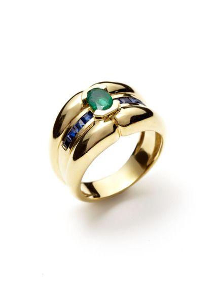 Piranesi Princess Cut Sapphire & Oval Cut Emerald Ring