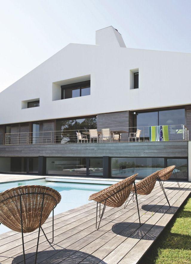 une maison de vacances au pays basque face l 39 oc an. Black Bedroom Furniture Sets. Home Design Ideas