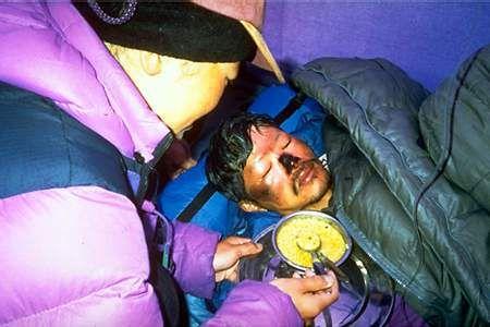 1996 Mt. Everest Disaster tragedy--Makalu Gau after spending night out on side of Everest