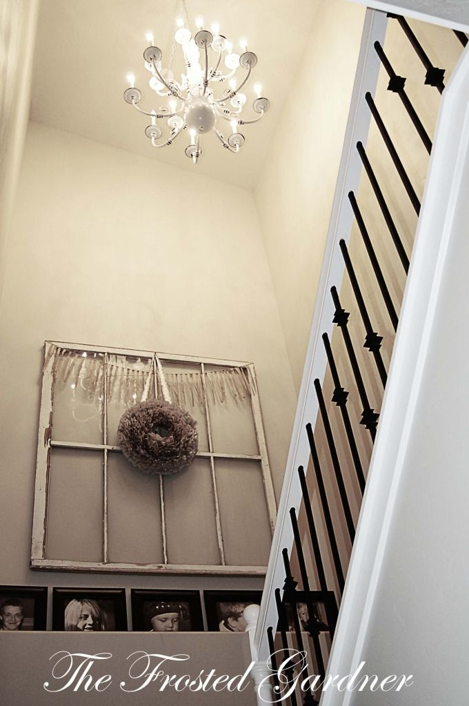 Cool idea with the old window for the landing in the front hall ...