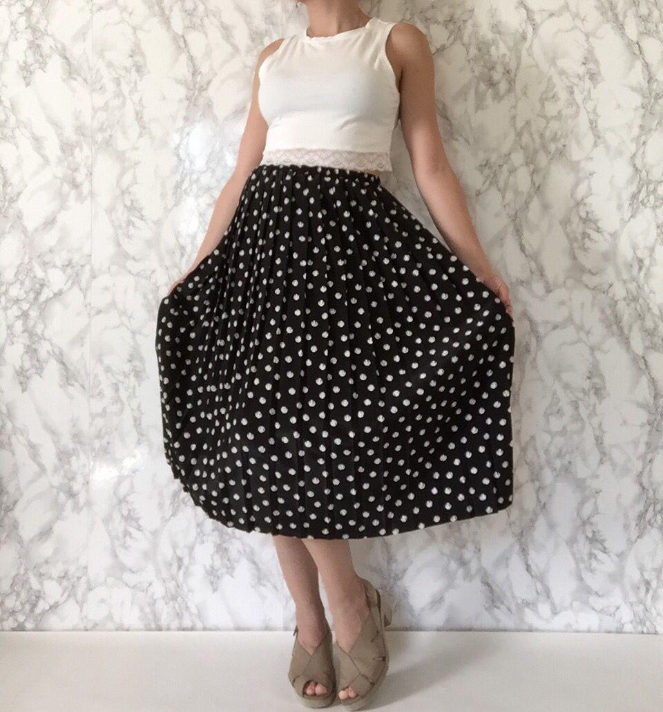 Spring-Summer 2016 / 1970s pleated accordion polka dot skirt