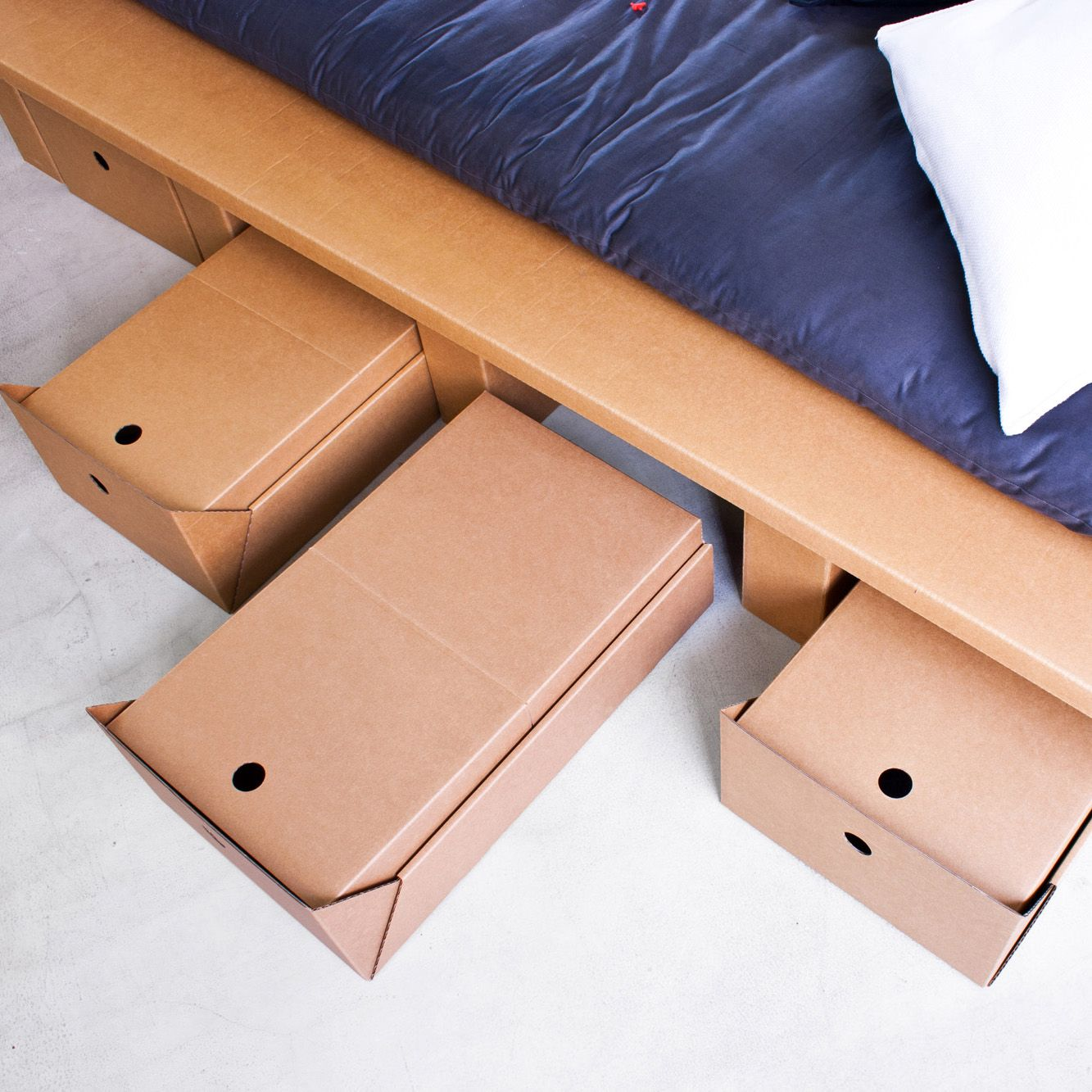 cardboard bed with drawers stange design berlin wohnen karton m bel m bel aus pappe und. Black Bedroom Furniture Sets. Home Design Ideas