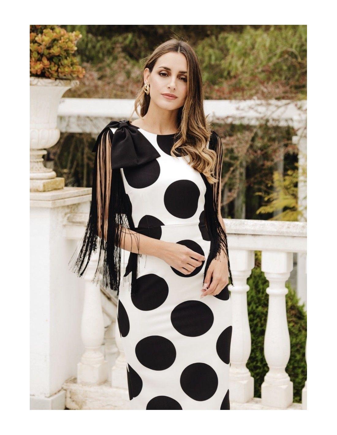 b96c332c94 Vestido Alanis Topos - Vestido de corte midi color blanco con lunares en  negro muy de