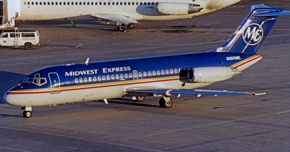 Douglas Dc 9 15 N300me Midwest Expr Tor 21 09 99r Edited 5 Midwest Airlines Wikipedia Midwest Airlines Airlines Midwest