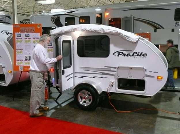 Small Travel Trailers From Toronto Rv Show Offering Comfort And Style Small Travel Trailers Small Campers Small Camper Trailers