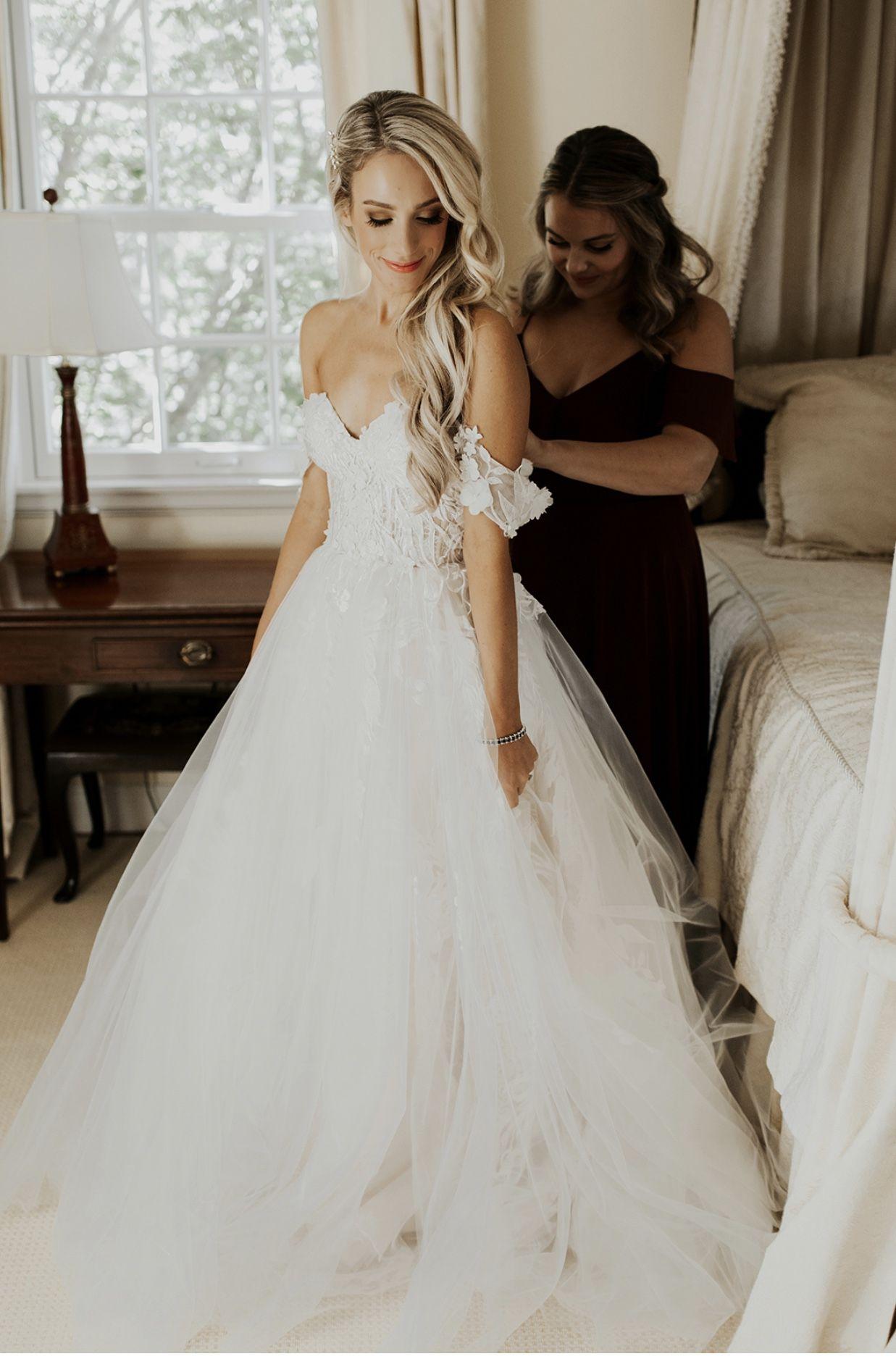Pin By Jennifer May On Wedding Wedding Dresses Wedding Gowns Wedding Reveal [ 1876 x 1237 Pixel ]
