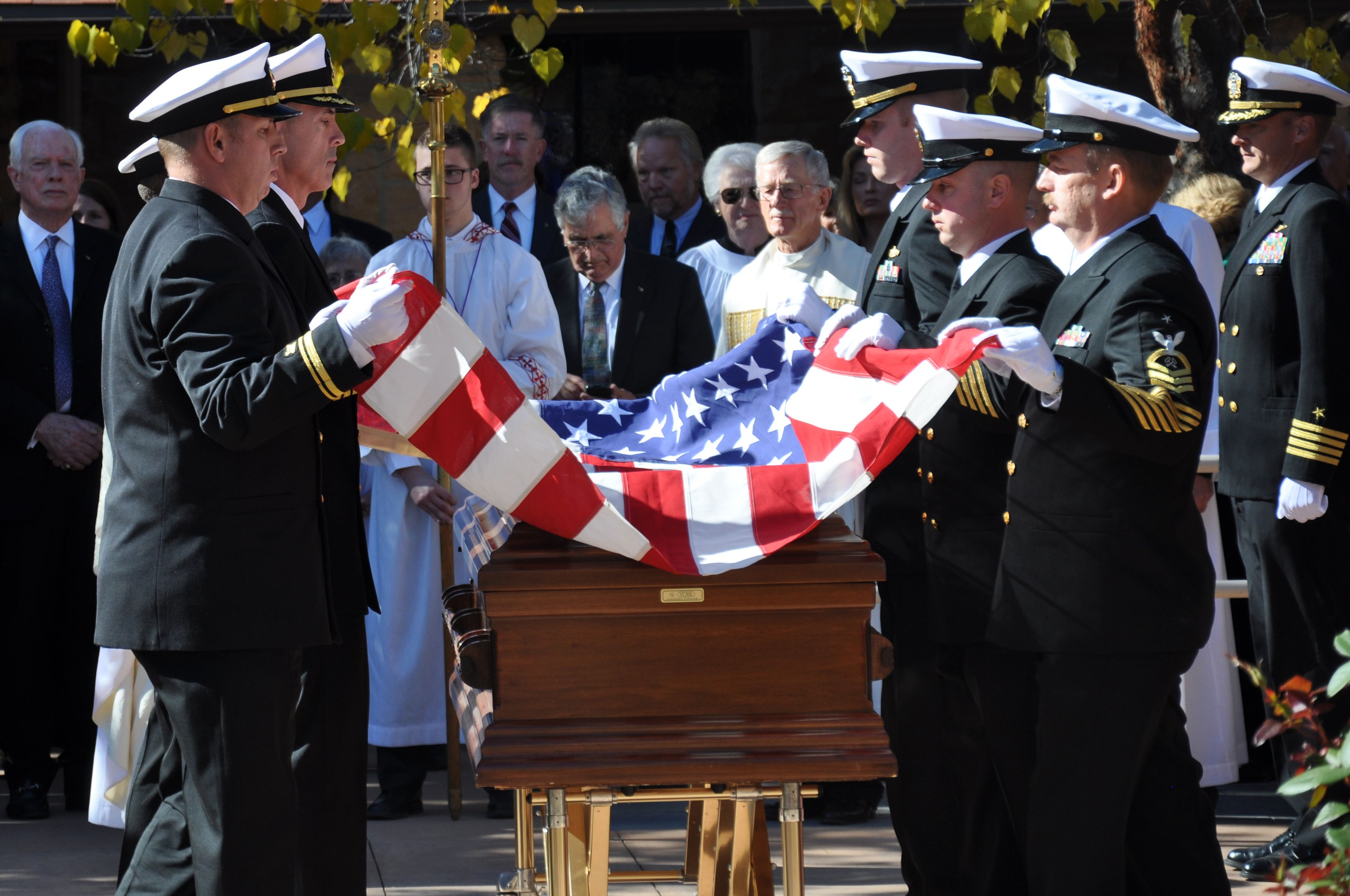 how to fold a flag for military funeral