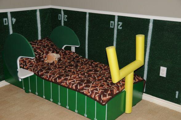 20 Football Themed Bedrooms For Boys Decor Furniture Ideas