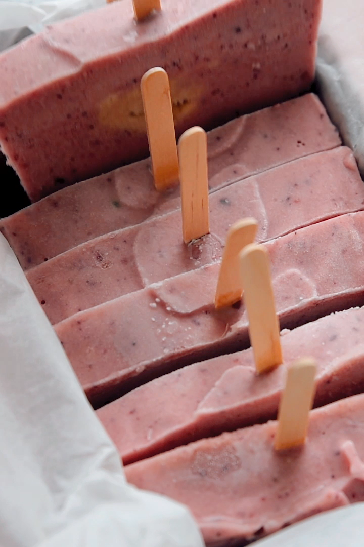 How to Make Popsicles in a Loaf Pan