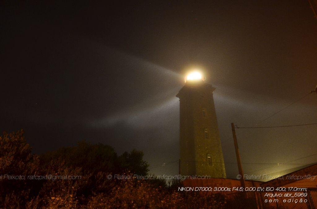 carreço, farol, irradiação, luz, luz do farol, montedor, nevoeiro, ofuscada, propagação, raio de luz, raios de luz, véu
