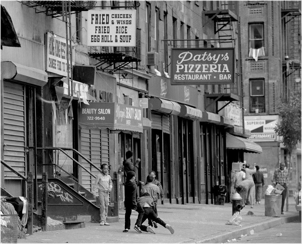 Patsy S Pizzeria Spanish Harlem 1986 Matt Weber New York Photography Store Spanish Harlem New York Photography New York City