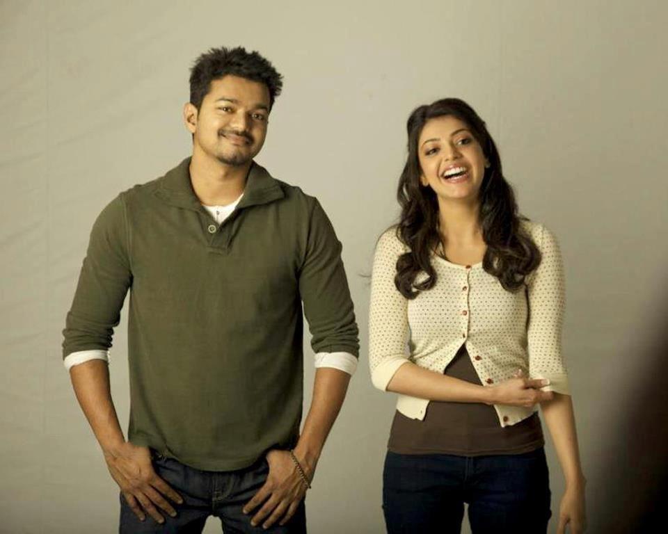 Vijay And Kajal Aggarwal In Thuppakki Movie Veethi Cute Actors Vijay Actor Indian Movie Songs