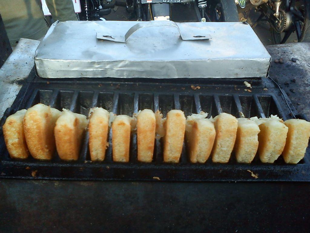 Kue Buroncong Lezatnya Kue Tradisional Khas Makassar Kuliner Makassar Makanan Kue Resep Kue