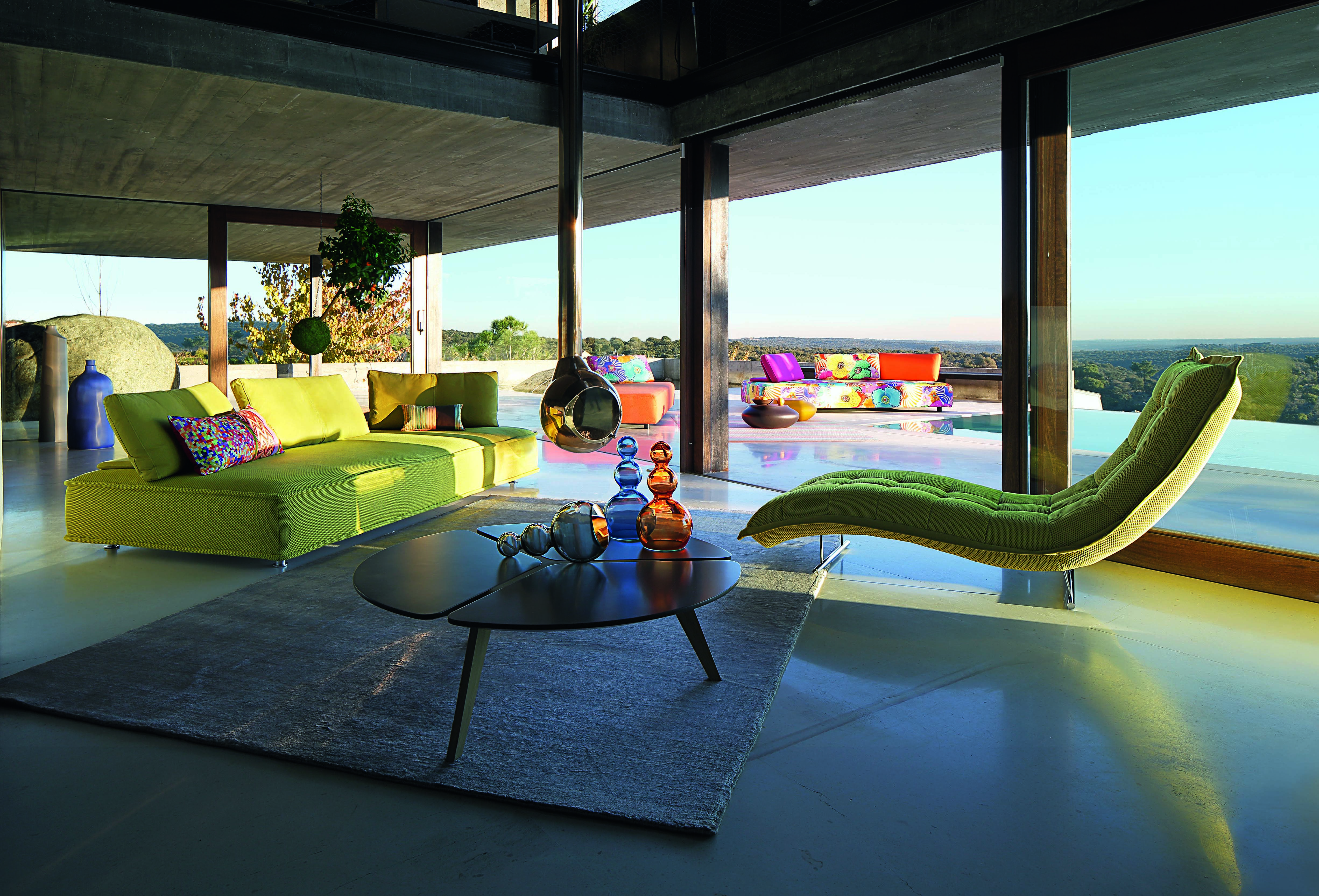 Sleek And Modern Indoor  Outdoor Escapade Sofa By Roche