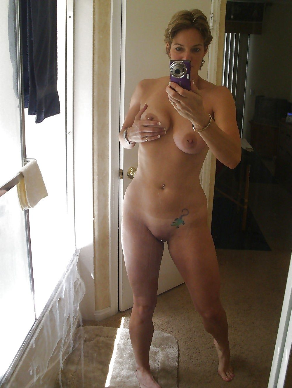 naked-mature-women-self-shots-girls-foto-seks
