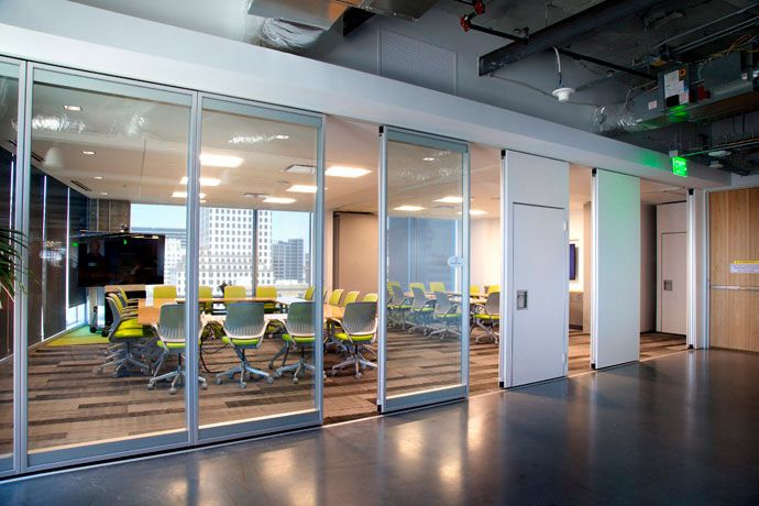 Operable Partitions Folding Partitions Glass Walls And Accordion Doors - Modernfold : operable doors - pezcame.com