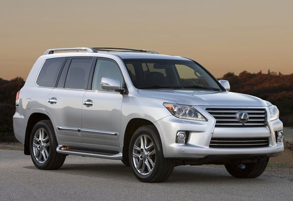 The Lexus Lx 570 Is A Hugely Popular Suv Expecially In The Us In India When Lexus Comes This Will Be One Of The Models To Wat Lexus Suv Luxury Suv