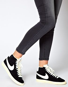 new arrival f7ab8 036bf Nike Blazer Mid Black Suede Trainers - ASOS
