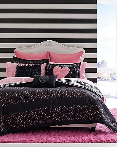 Great Room For Teen Girl Change A Few Pillows Great Look For Any