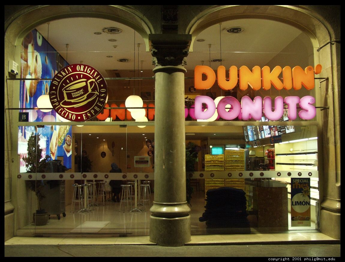 Barcelona Dunkin Donuts Great For A Frozen Coffee At Hot - Dunkin donuts location map usa
