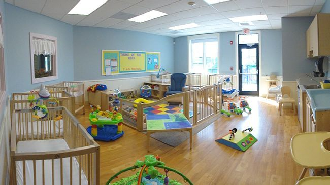 I Am In Love With The Floors And The Baby Gate Playpen Area Infant Room Daycare Infant Toddler Classroom Infant Daycare