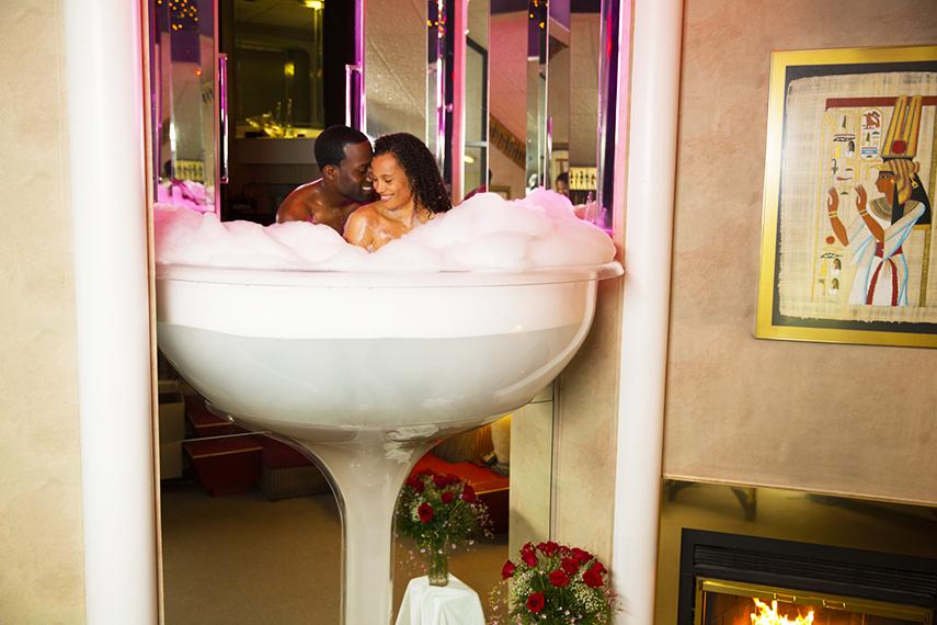 Explore Poconoromance S Champagne Tub In The Pocono Mountains Poconomtns Romantic Resorts Poconos Resort Poconos