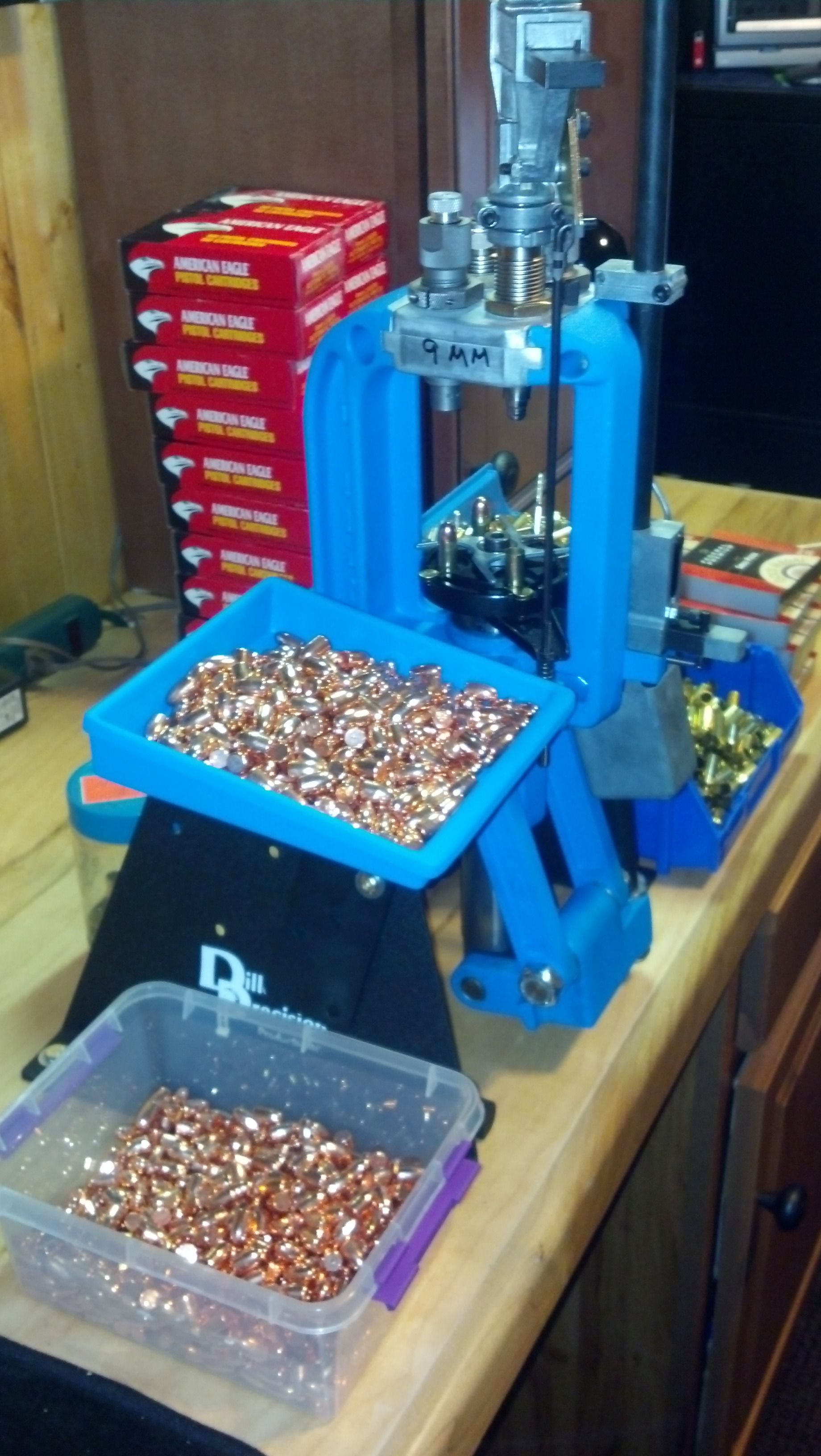 Reloading bench, Dillon 550, running a bunch of 9mm   Reload