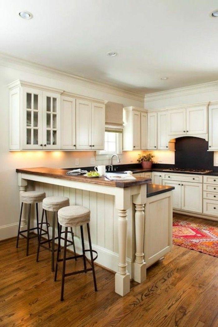 kücheneinrichtung weiße einrichtung holztextur farbiger - teppich läufer küche