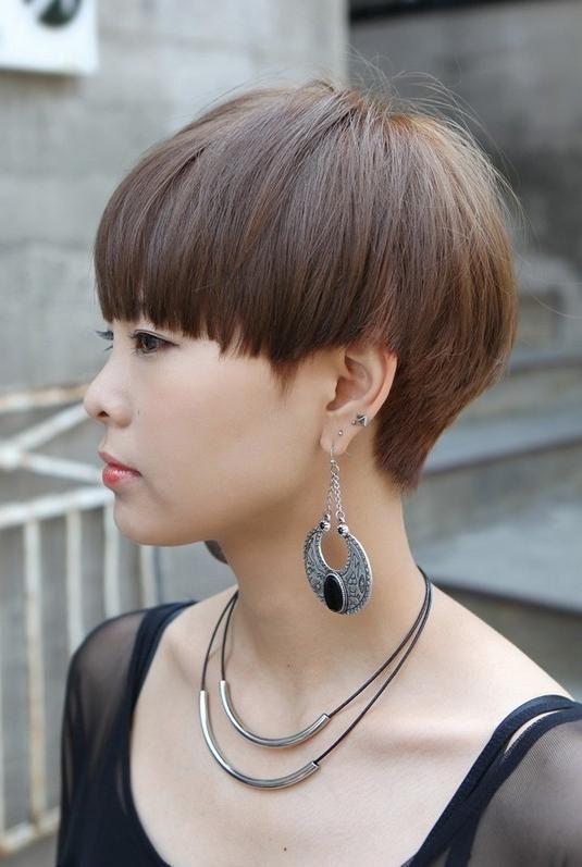 Mushroom Haircut Girl : mushroom, haircut, Pictures, Mushroom, Hairstyles, Haircuts,, Short, Styles,, Styles